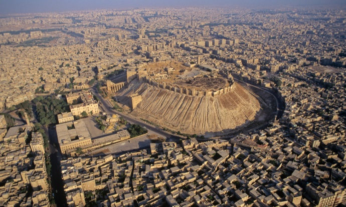 The Citadel of Aleppo (thewallwillfall.wordpress.com)
