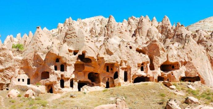 Zelve cave homes (planetware.com)