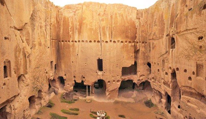 Gumusler Monastery (planetware.com)